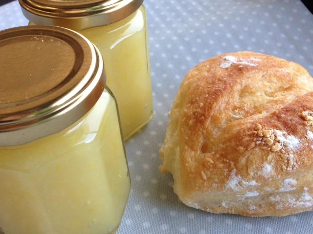 ジャムとパン